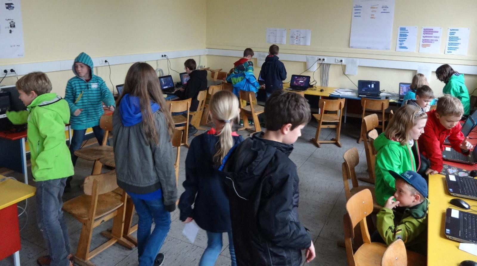 Die GRÜN Software AG führt als Gründungspartner des zdi-Netzwerk Aachen an Grundschulen und Gymnasien 1-wöchige Projektkurse durch.