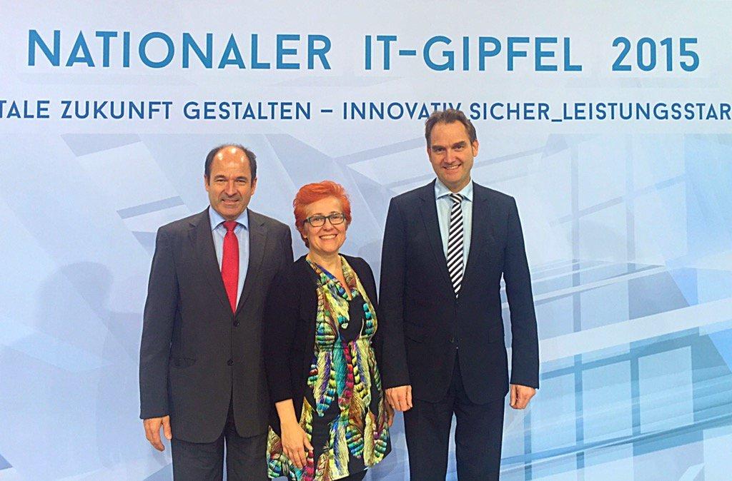 Dr. Oliver Grün (rechts) wurde im Rahmen der Mitgliederversammlung erneut zum Präsidenten des Bundesverband IT-Mittelstand e.V. (BITMi) gewählt.
