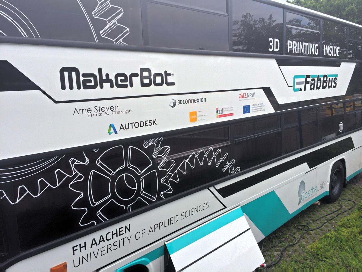Der Bus der FH Aachen mit dem 3D-Drucker