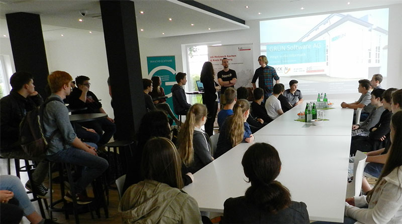 Die GRÜN Software AG begrüßt 30 Schülerinnen und Schüler beim 2. CHECK IN Tag Aachen.
