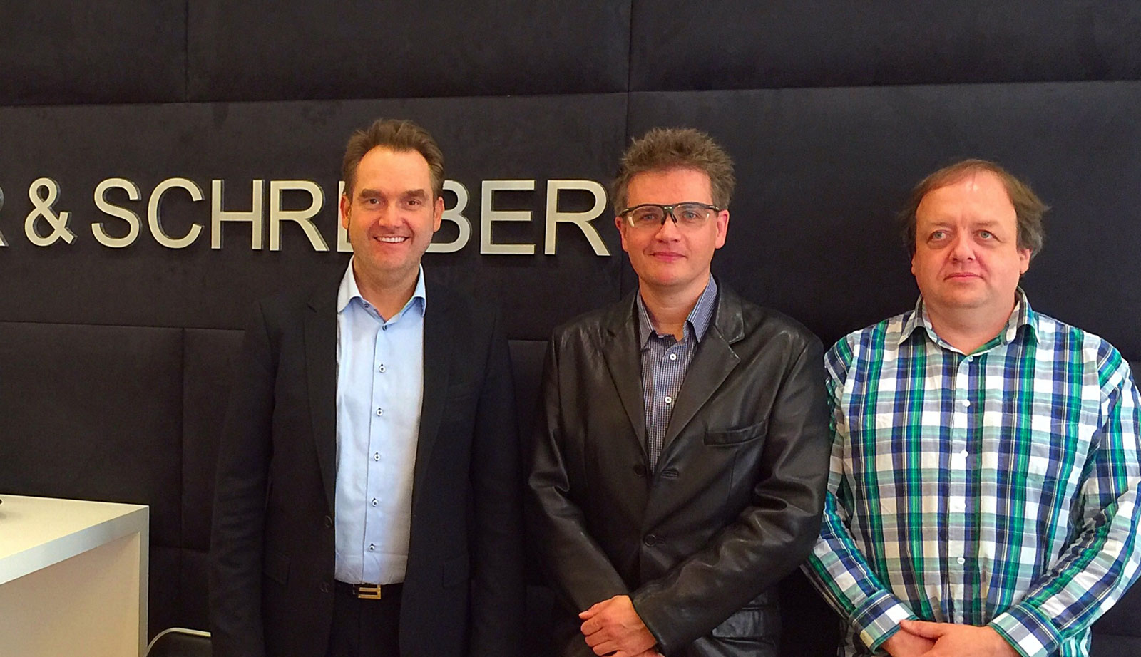Gesellschafter der GRÜN Fundraising Services GmbH in Wien nach dem Notarakt: v.l.n.r. Dr. Oliver Grün, Klaus Schwarz und Markus Unterberger.