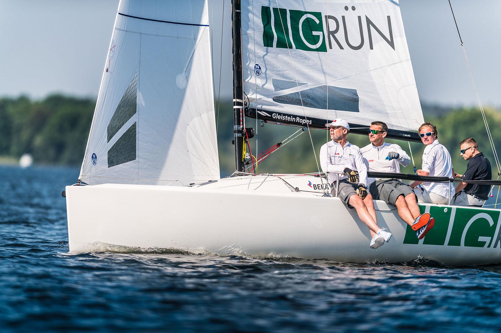 Das GRÜN Sailing Team bei der Regatta der Berliner Wannseewoche. Foto: Sören Hese