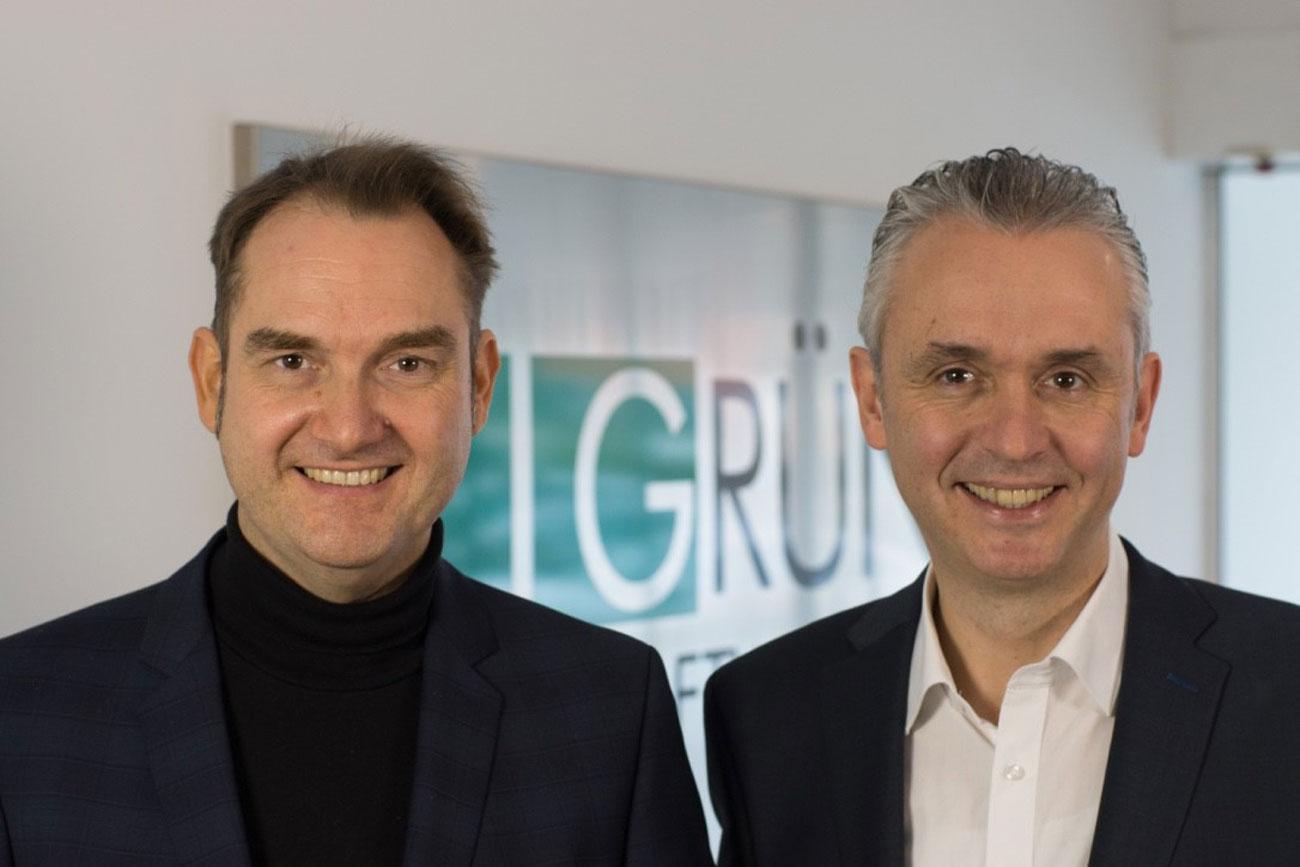 Dr. Oliver Grün (links), Vorstand und CEO der GRÜN Software AG, freut sich, mit Joachim Sina (rechts) einen Fundraising-Experten in der GRÜN-Gruppe begrüßen zu dürfen.